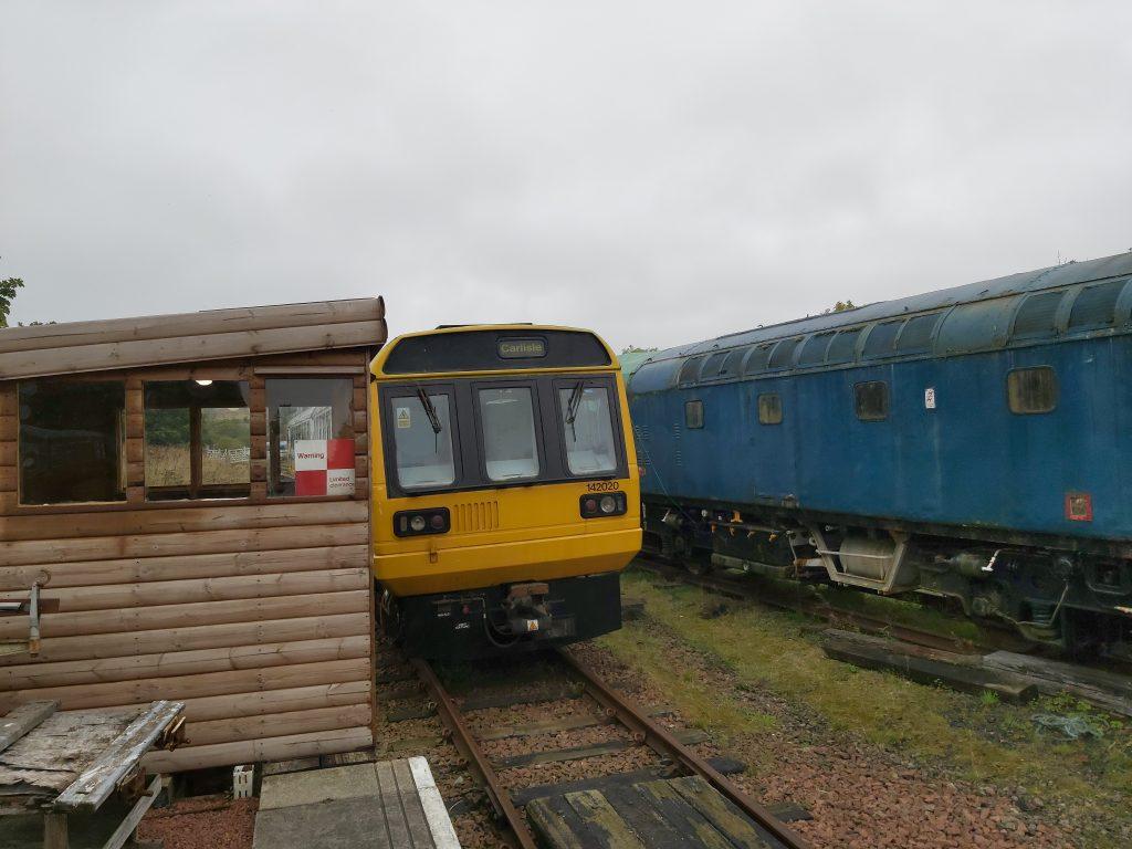 "Yellow train 142020 with destination ""Carlisle"""